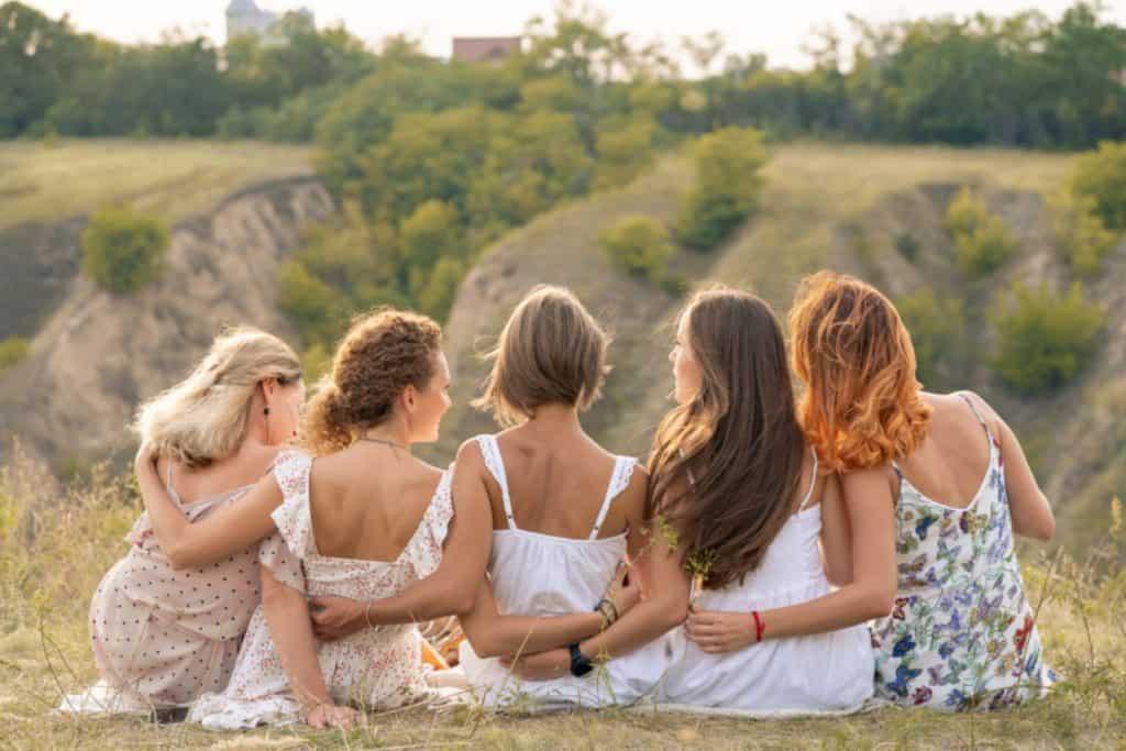 נשים בארגון שלמה הארגון הישראלי לוולוודיניה עבור נשים החוות כאבים בפות ובנרתיק וכאבים ביחסי מין.